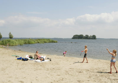 Drontermeer strand